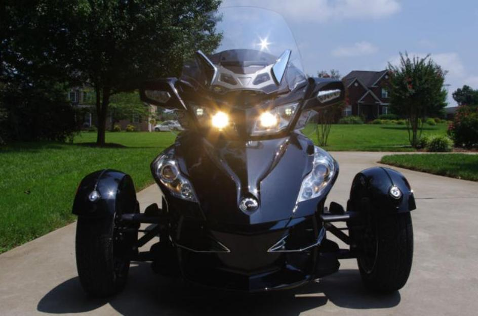 2010 Can-am Spyder RTS SE5, Matching Can-am Trailer, Covers for both, Warranty