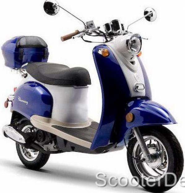 49CC GAS MOPED SCOOTER UNDER 50CC VESPA EURO MOTOR BIKE FREE SHIPPING AND TRUNK