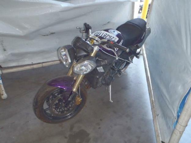 Salvage TRIUMPH STREET TRI .7L  3 2012  -Ref#26391103