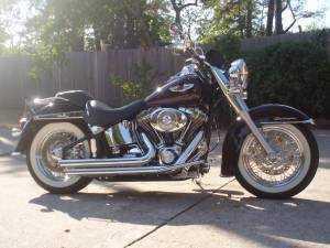 2005 Harley Davidson Softail Deluxe Cruiser in Cypress, TX