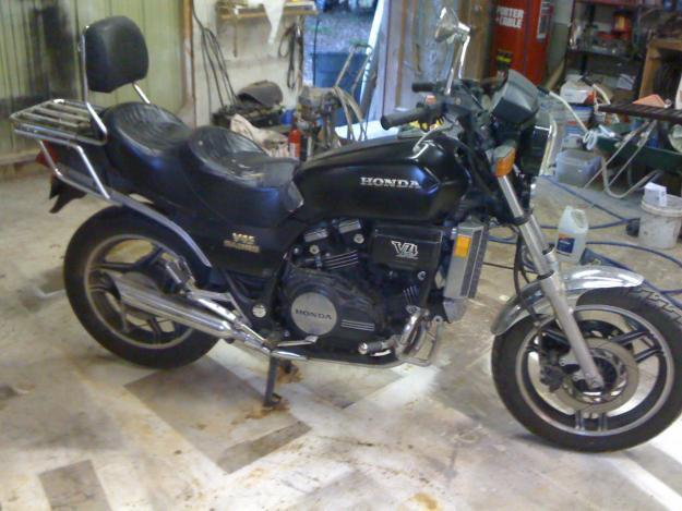 1983 Honda Sabre for parts or for fixing