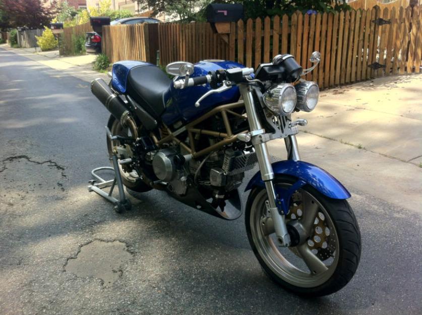 1998 Ducati Monster 750