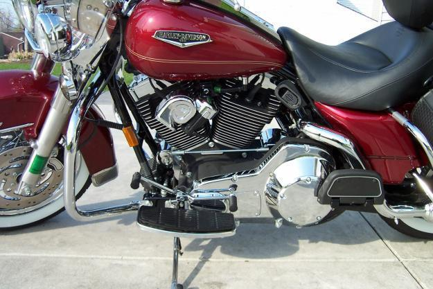 Harley 2005 Road King Classic, 5k Hiway mi., Heated Seat, Cruise, PCIII, Ness A/C, MINT!