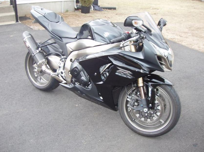 2011 Suzuki GSXR 1000 GSX-R1000 Sport Race Super Bike Like NEW Perfect Gixxer