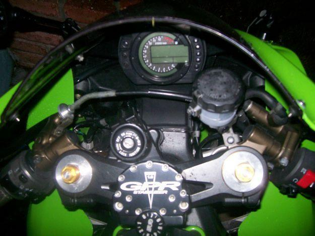 !Sport Bike!  2004 Kawasaki ZX-10R Ninja For Sale. Priced to move.  Asking $6,500.