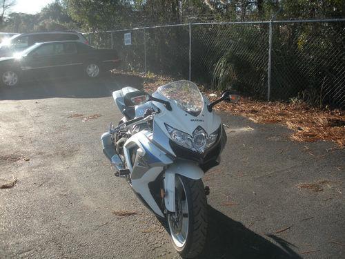 2008 Suzuki GSX-R 600 White/Grey/Blue *Only 2k Miles*