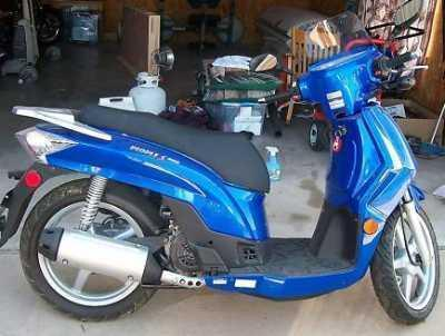 ☆ 2009 KYMCO 200S Scooter - Almost New!