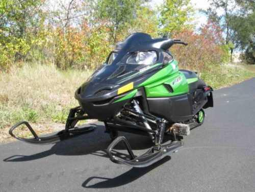 2010 Arctic Cat F8 Snowmobile Limited Powersport in Hubertus, WI