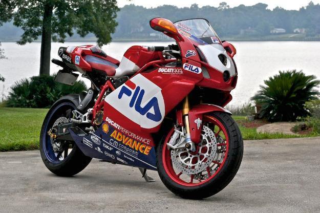 2004 ducati superbike fila race