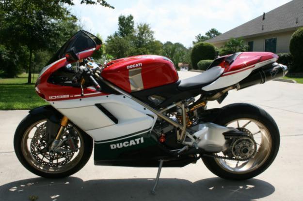 2007 Ducati Superbike 1098S Tricolore