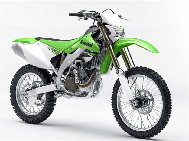 DIRT BIKE 2008 KAWASAKI KLX 450 ONLY 1 HOUR OF RIDING TIME ON IT.