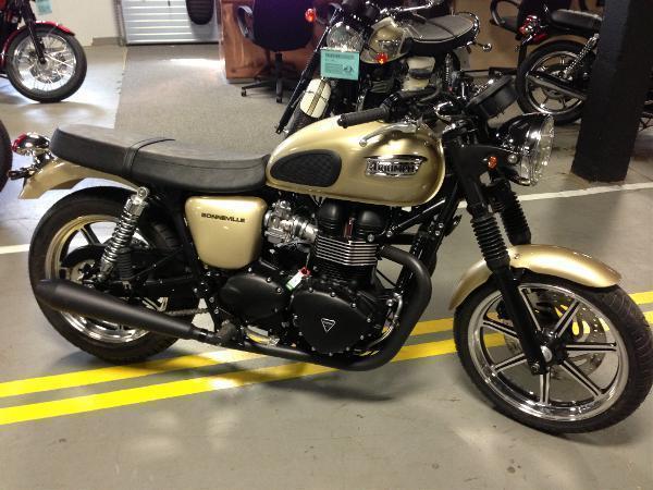 2013 Triumph Bonneville - Aurum Gold