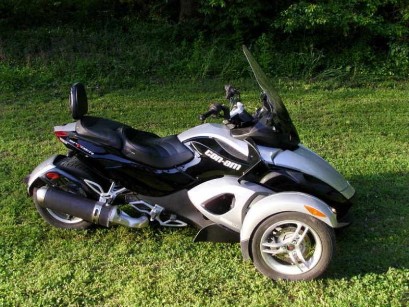 Custom Can Am Spyder Rs
