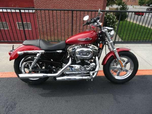 2013 Harley-Davidson XL1200C Sportster 1200 Custom