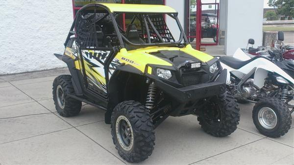 2011 Polaris razor 800