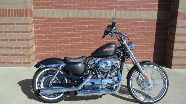 2013 Harley-Davidson XL1200V Sportster Seventy-Two
