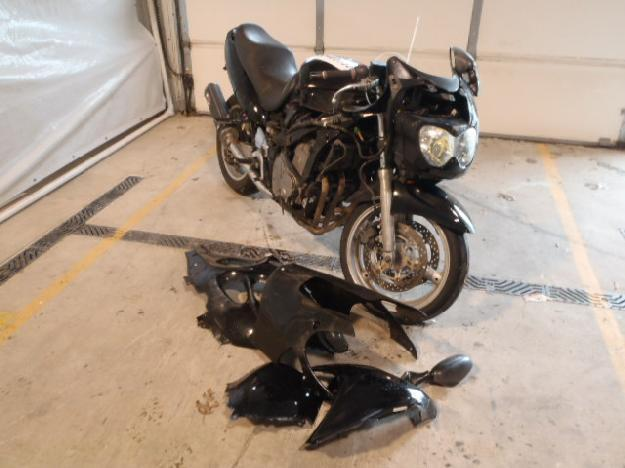 Salvage SUZUKI MOTORCYCLE .6L  4 2000  -Ref#35489753