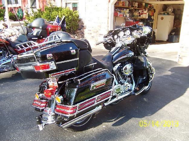 2003 Harley Davidson FLHTCUI Ultra Classic in Burlington, WI