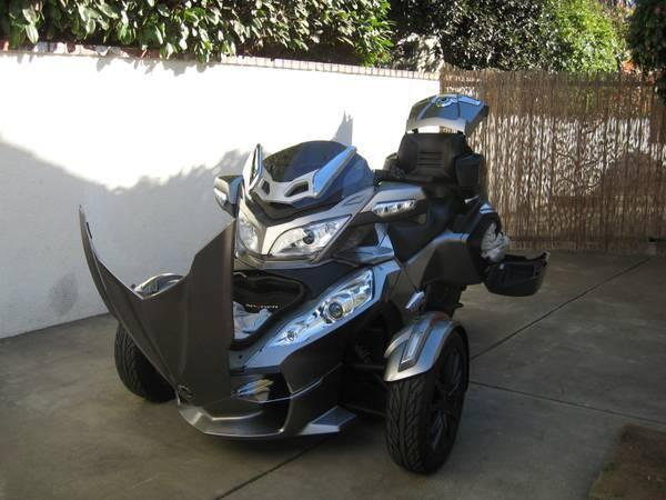 2013 Can-Am Spyder RTS-SE5 in Sacremento, CA