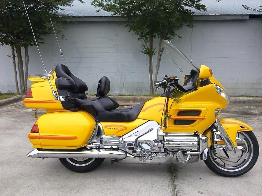 2001 Honda Gold Wing . Super Clean, Runs and Rides Awesome, Loaded Out