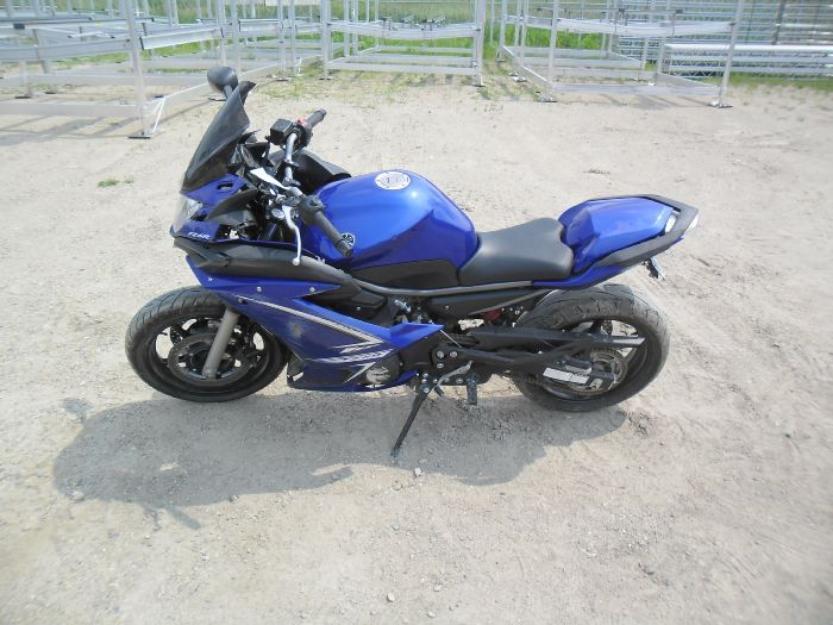 2009 Yamaha FZ6R Motorcycle