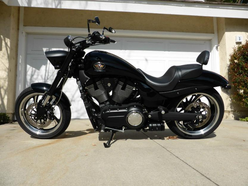 2012 Victory Hammer 8ball
