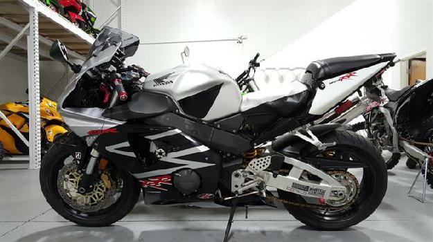 2002 Honda CBR 954 - MotoSport
